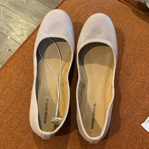 Mossimo nude patent flats